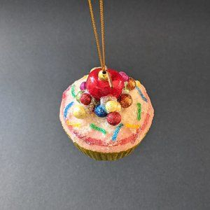Christmas Ornament a Cup Cake